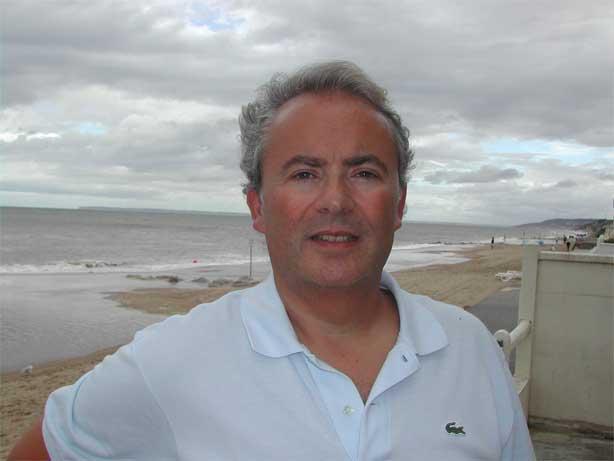 Un des meilleurs voyants s rieux d 39 europe le figaro cite for Salon de la voyance a paris